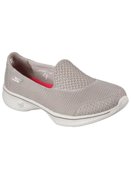 Mocasín Skechers Go Walk 4 en color taupe con plantilla Goga Max