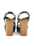 Sandalia YOKONO modelo MALIBU 010 en color negro, vista de los talones