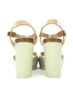 Sandalia YOKONO modelo MALIBU 001 color beig, vista de los talones