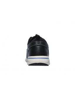 Náutico SKECHERS RELAXED FIT modelo 65727 color BLK, vista del talón