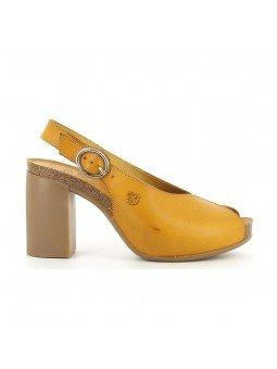 Comprar Sandalia con tacón en goma Yokono, modelo Triana 064, color mostaza, vista lateral exterior