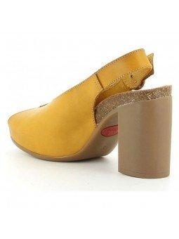 Comprar Sandalia con tacón en goma Yokono, modelo Triana 064, color mostaza, vista talón