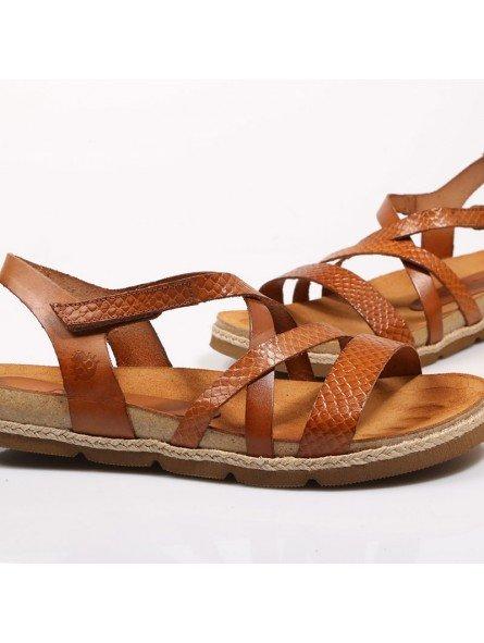 Comprar Online Sandalia plana Yokono Shoes, modelo Chipre 100, color nuez
