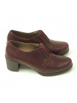 Comprar Online Zapatos Yokono Shoes con tacon bajo en goma, modelo Jane 008, color burdeos, vista duo