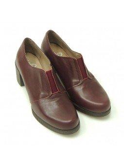 Comprar Online Zapatos Yokono Shoes con tacon bajo en goma, modelo Jane 008, color burdeos, vista frontal
