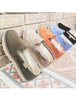 Comprar Online Alpargatas Toni Pons planas, modelo espardeña Aurem, color caqui, vista diferentes colores