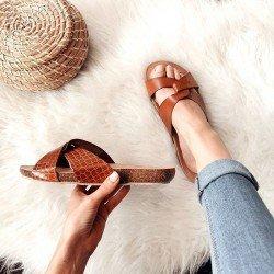 Comprar Online Sandalia plana Yokono Shoes, modelo playera Ibiza 131, color nuez, vista portada