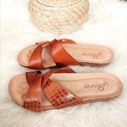 Comprar Online Sandalia plana Yokono Shoes, modelo playera Ibiza 131, color nuez, vista duo lateral exterior