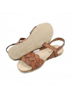 Comprar Online Sandalia plana Yokono Shoes, cangrejera modelo Genova 085, color nuez, vista de la suela