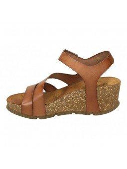 Comprar Online Sandalia con plataforma Yokono Shoes, modelo Bari 002, color nuez, vista lateral interior