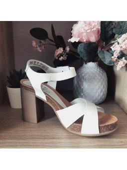 Comprar Online Sandalia Yokono Shoes con tacón, modelo Triana 066, color blanco, vista lateral interior