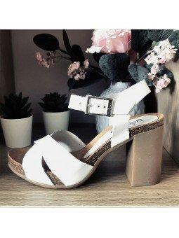 Comprar Online Sandalia Yokono Shoes con tacón, modelo Triana 066, color blanco, vista lateral exterior