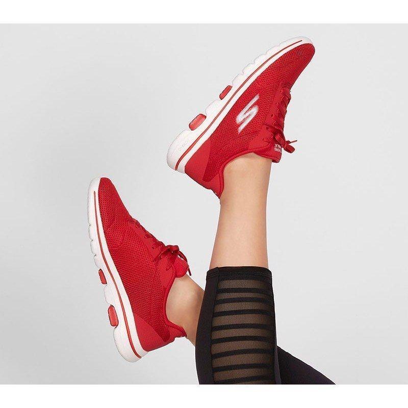 zapatillas skechers 15902, color rojo, go walk 5, portada