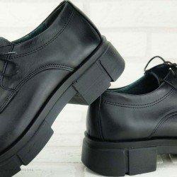 Zapatos Lince, suela track, modelo 6552, color negro, de piel, vista portada.