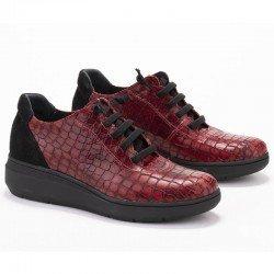 Zapatos Lince con elásticos en piel y grabado coco, modelo 2969, color burdeos, vista portada.