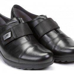 Zapato piel Fluchos, cierre velcro, color negro, modelo 1071, en piel, vista portada
