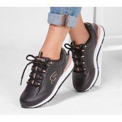 Compra Online Zapatilla_Skechers_Originals_modelo_907_color_negro_BLK, vista outfit