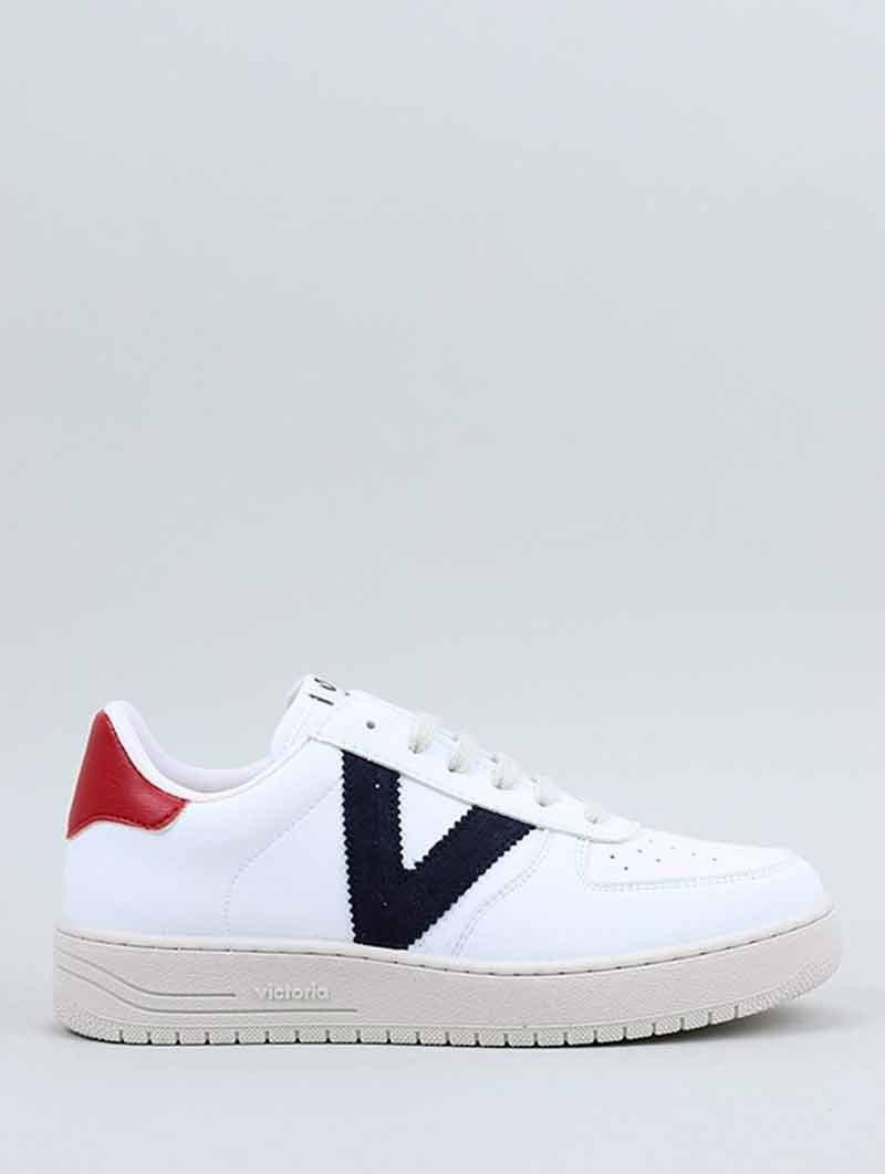 Sneakers Victoria, modelo 129101, en color blanco, von la V en marino, vista portada.