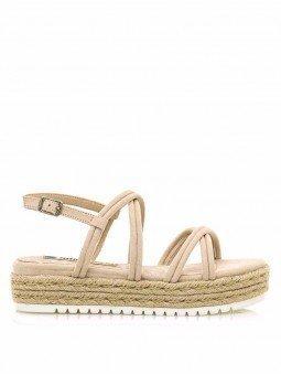 sandalias plataforma plana, tiras cruzadas, mustang lisa 50768, cierre hebilla, color arena beige, vista lateral