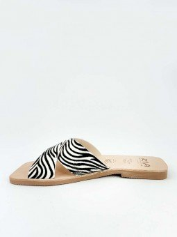 sandalia plana pala cruzada lulu ria menorca, modelo 40418, estampado animal print cebra, piel, punta cuadrada, vista interior