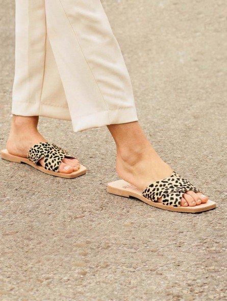 sandalia plana pala cruzada lulu ria menorca, 40418, animal print leopardo guepardo, piel, punta cuadrada, vista portada