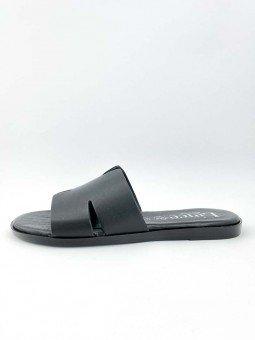 Sandalia plana Lince, tipo pala hermes, color negro, modelo 12007, plantilla acolchada. vista lateral exterior