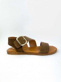Sandalia plana Lince modelo 07905, piel serraje, color marron, plantilla acolchada, hebilla dorada. vista lateral exterior.